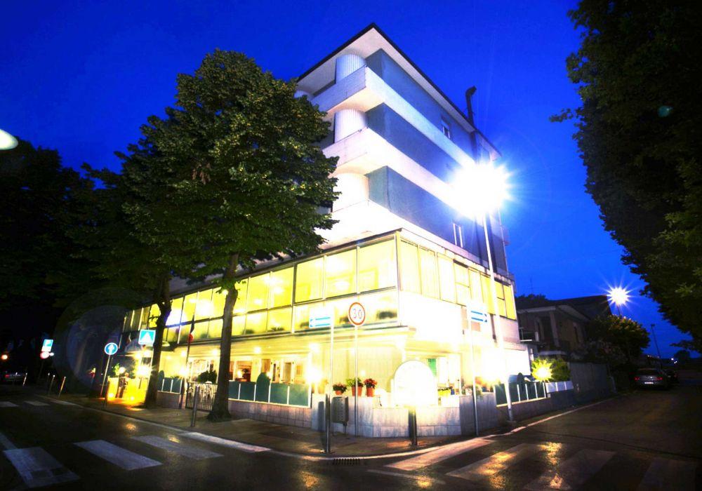 Hotel Crystal  Torre Pedrera