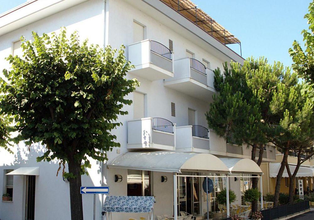 Hotel Lora Torre Pedrera